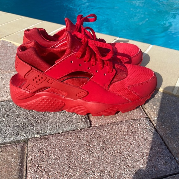 Nike Shoes | Red Air Huarache Size 65y